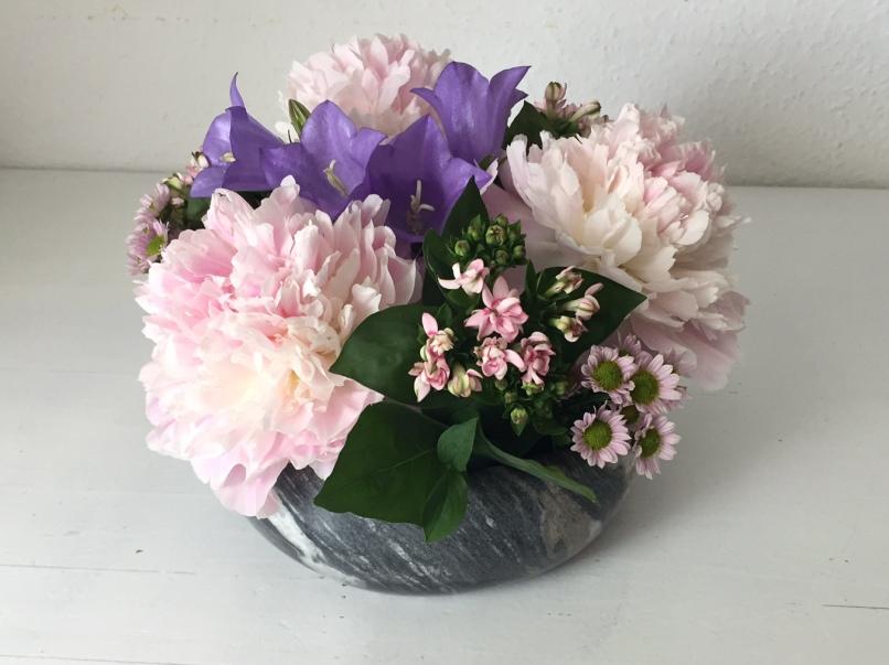 centrotavola con fiori freschi